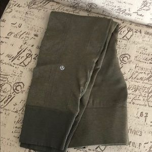 EUC Lululemon Ebb to the Street Leggings